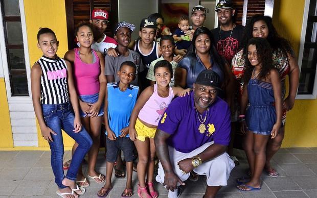 Resultado de imagem para mr. catra e seus 32 filhos